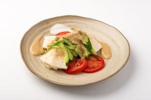 豆腐の棒々鶏風サラダの写真