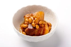 豚の角煮(大豆入り)の写真