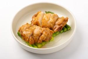 鶏肉のレモンソース煮の写真